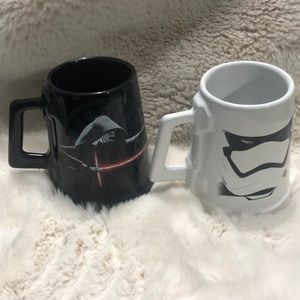 Pair of extremely rare Collectors Star Wars mugs